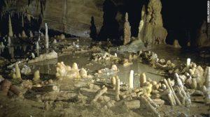 160526121742-neanderthal-cave-6-exlarge-169